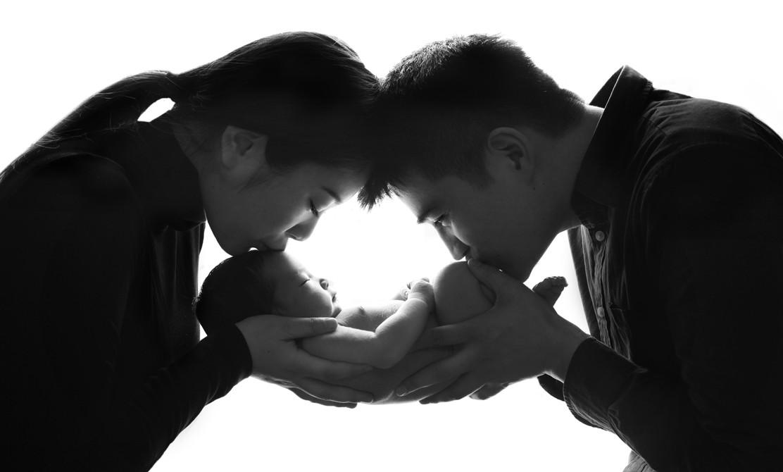London photographer newborn family
